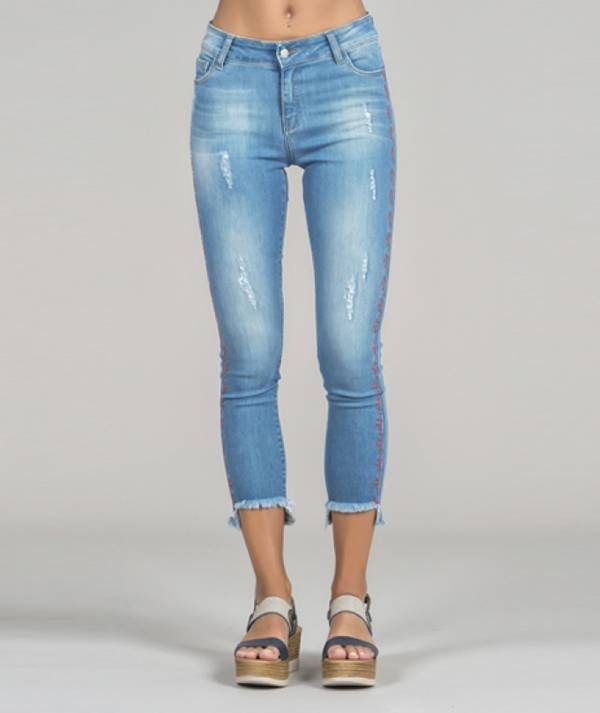 Jeans bordado tribal
