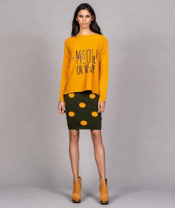 Skirt with polka...