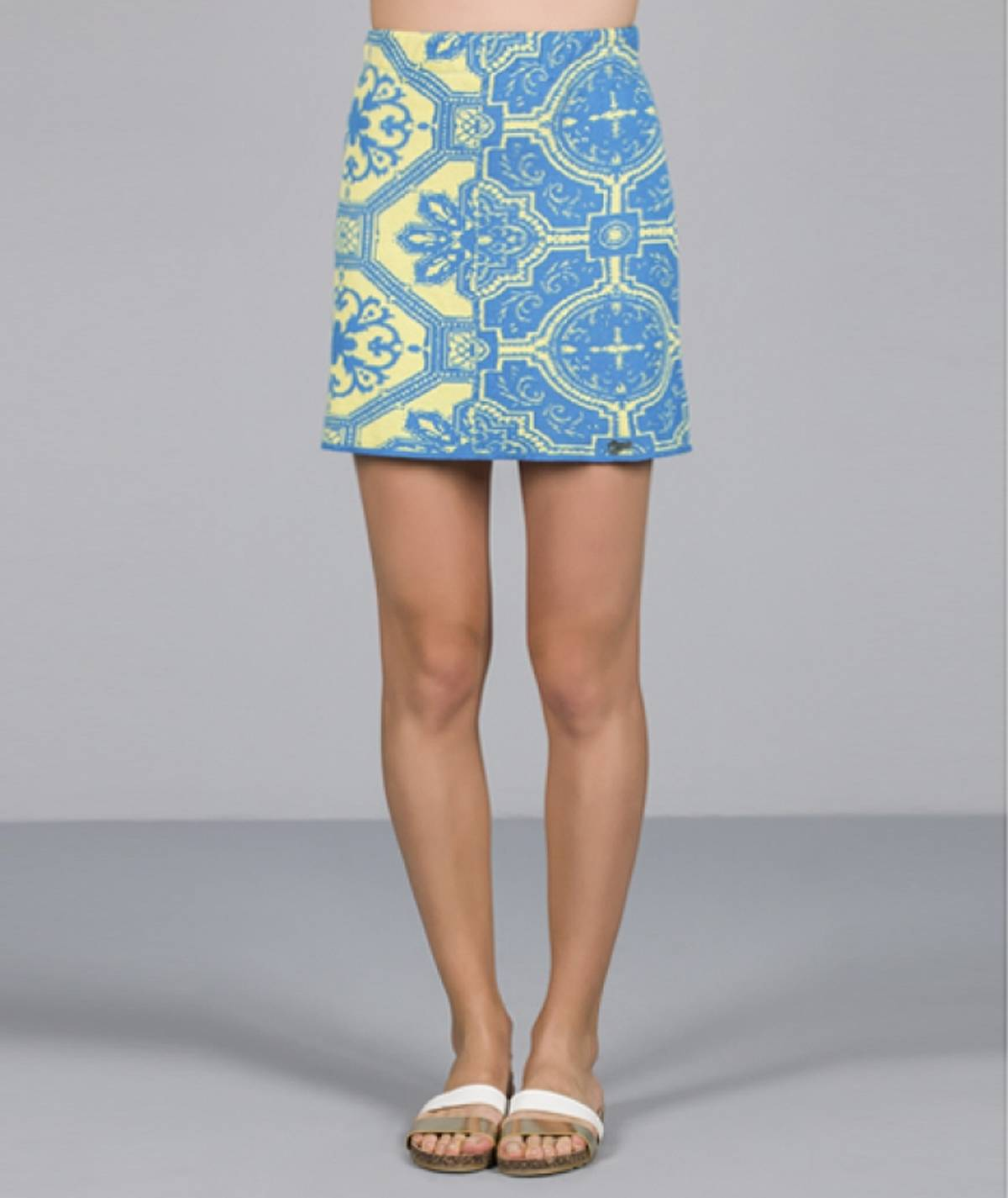 Skirt with tile motif