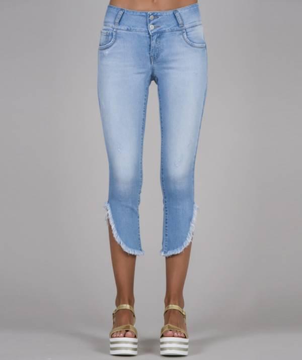 Frayed hems Jeans