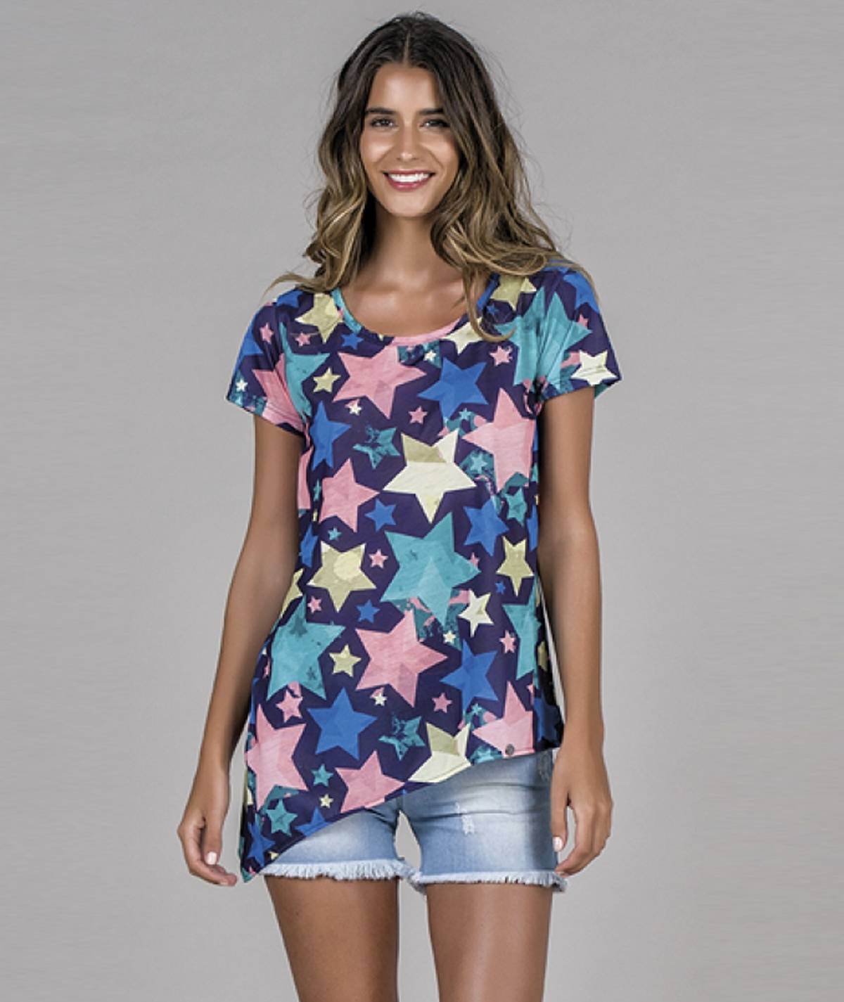 T-shirt assimétrica estrelas