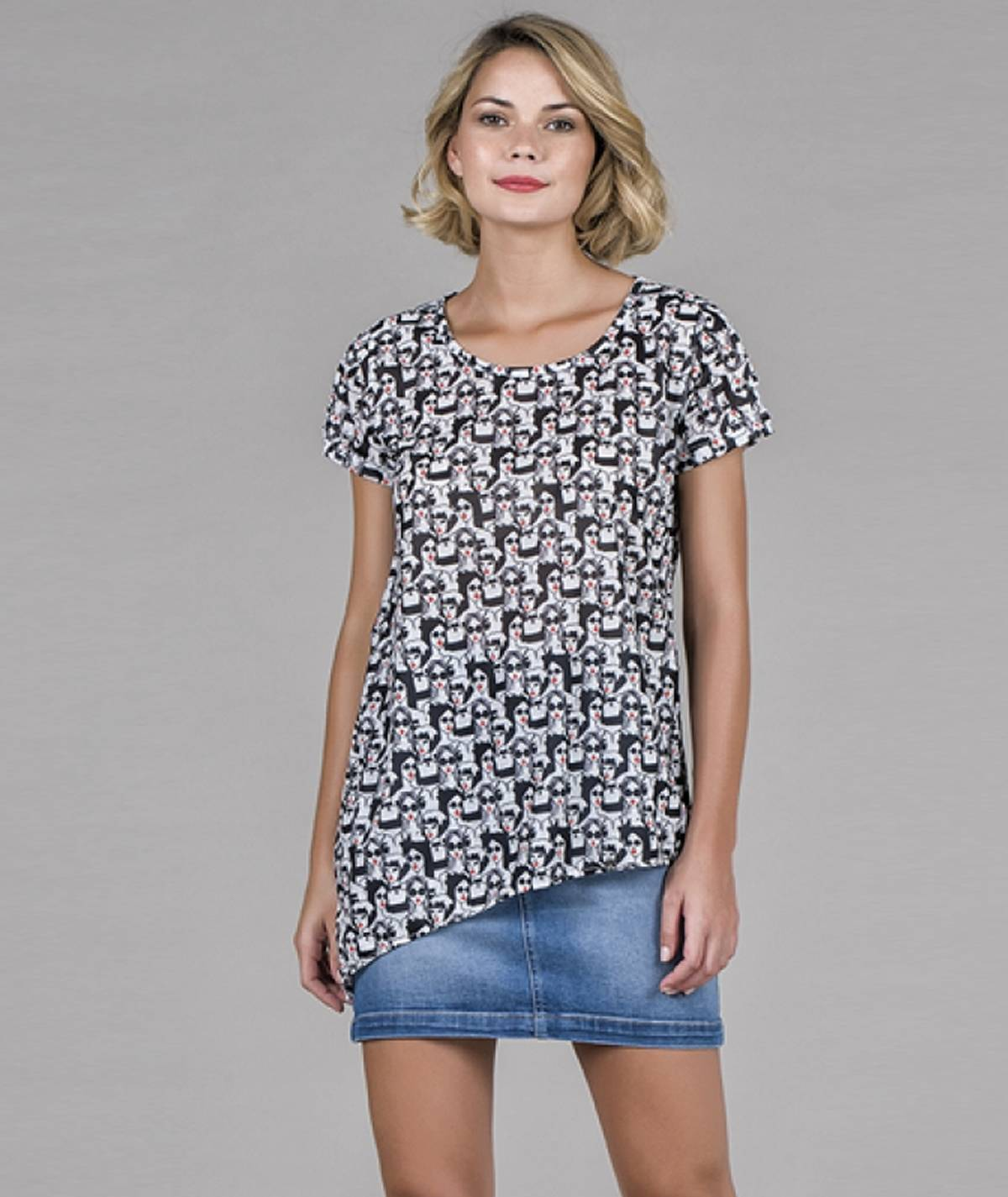 T-shirt Assimétrica caras