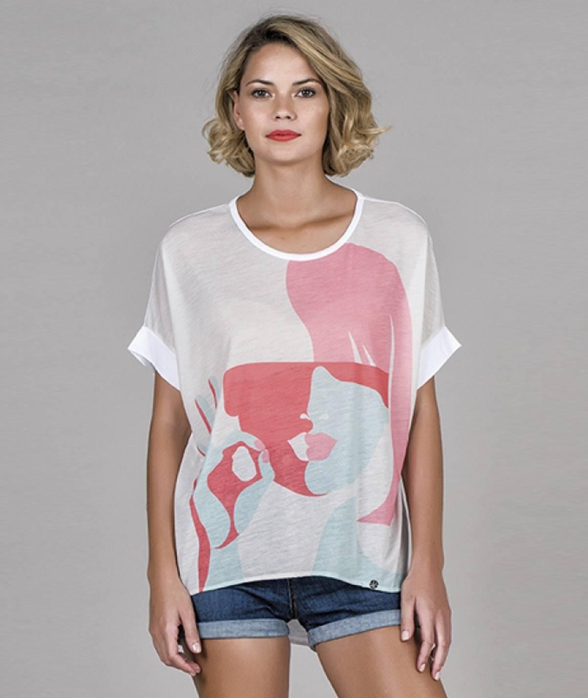 T-shirt motivo cara mulher
