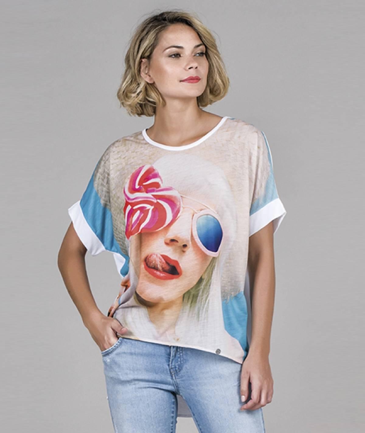 T-shirt motivo óculos sol