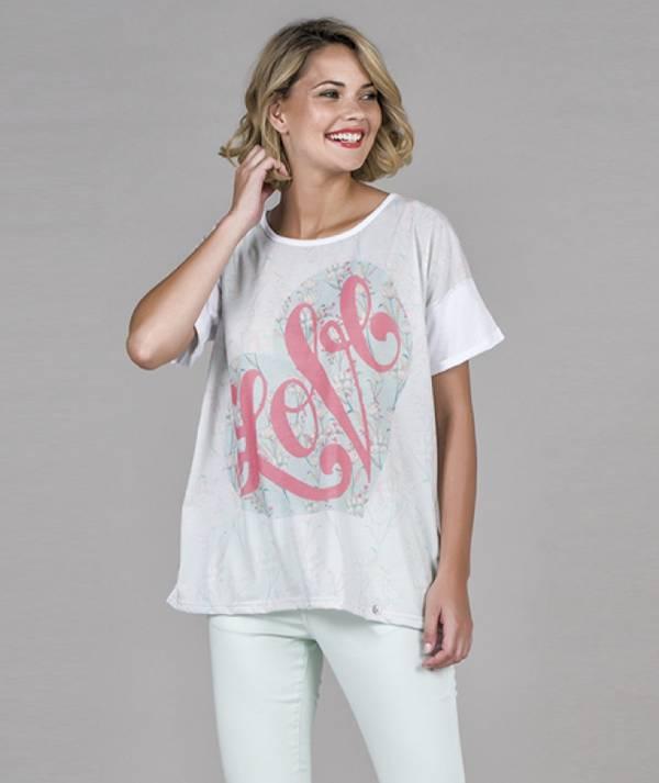 T-shirt motivo love