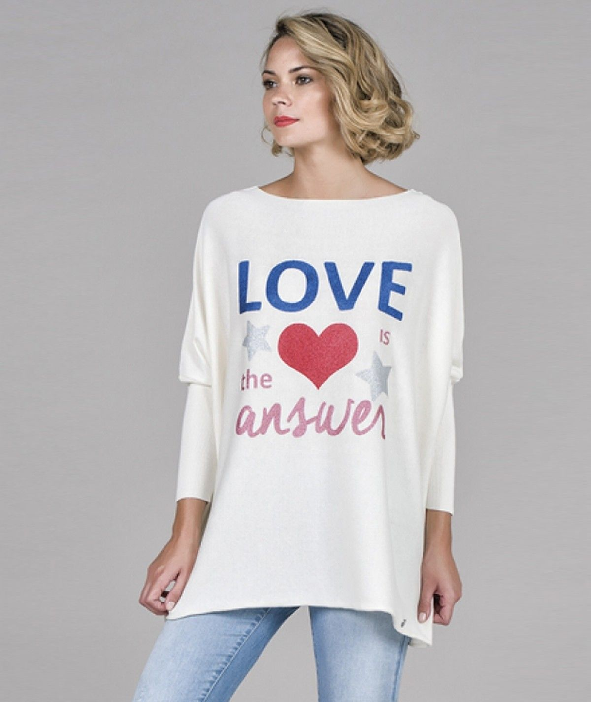 Camisola motivo love is the...