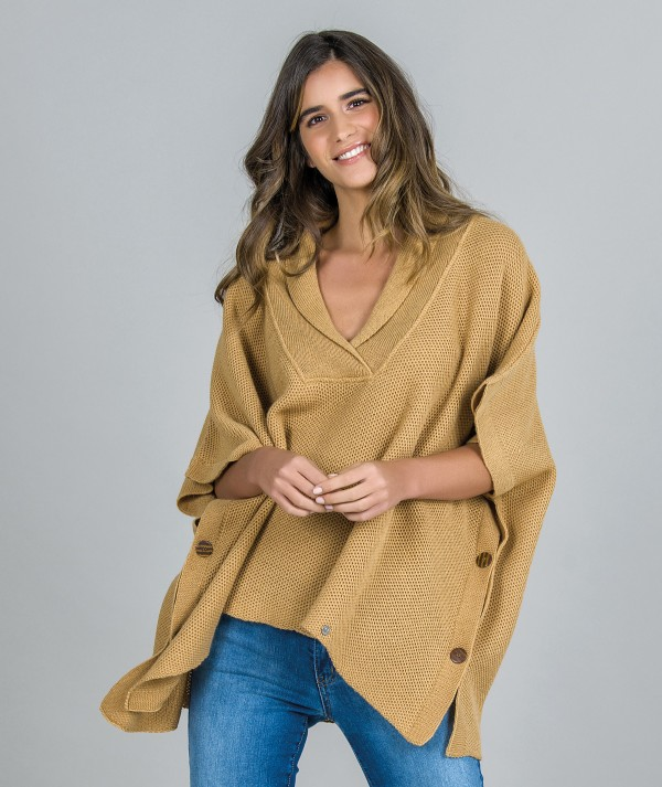 Poncho with collar