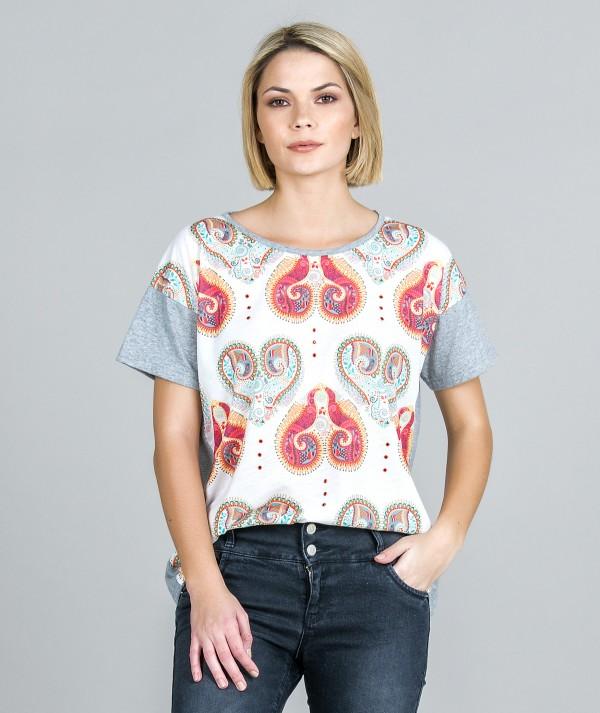T-Shirt ethnic motif