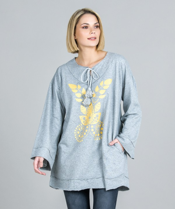 Sweater with glitter