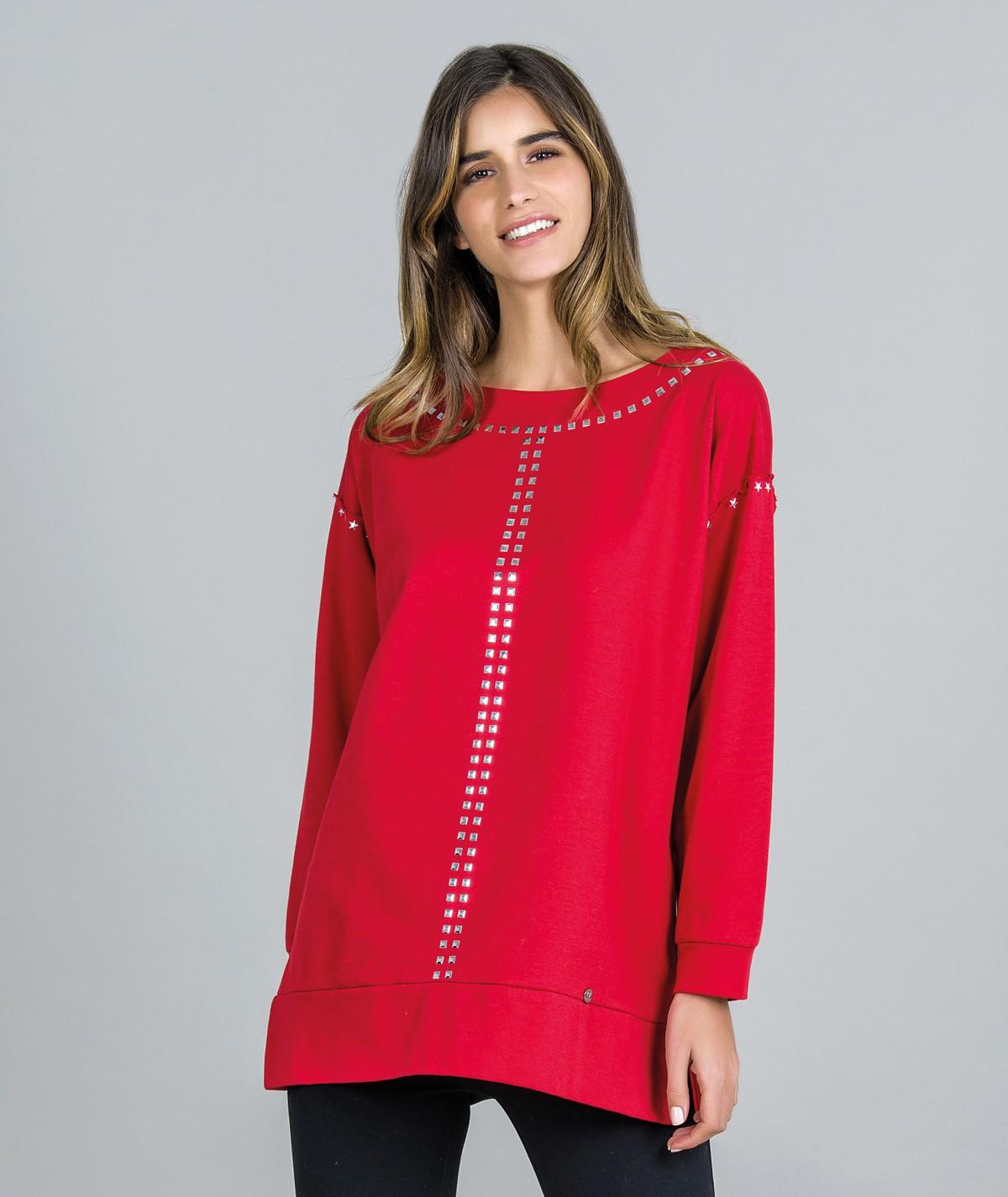 Sweater com tachas