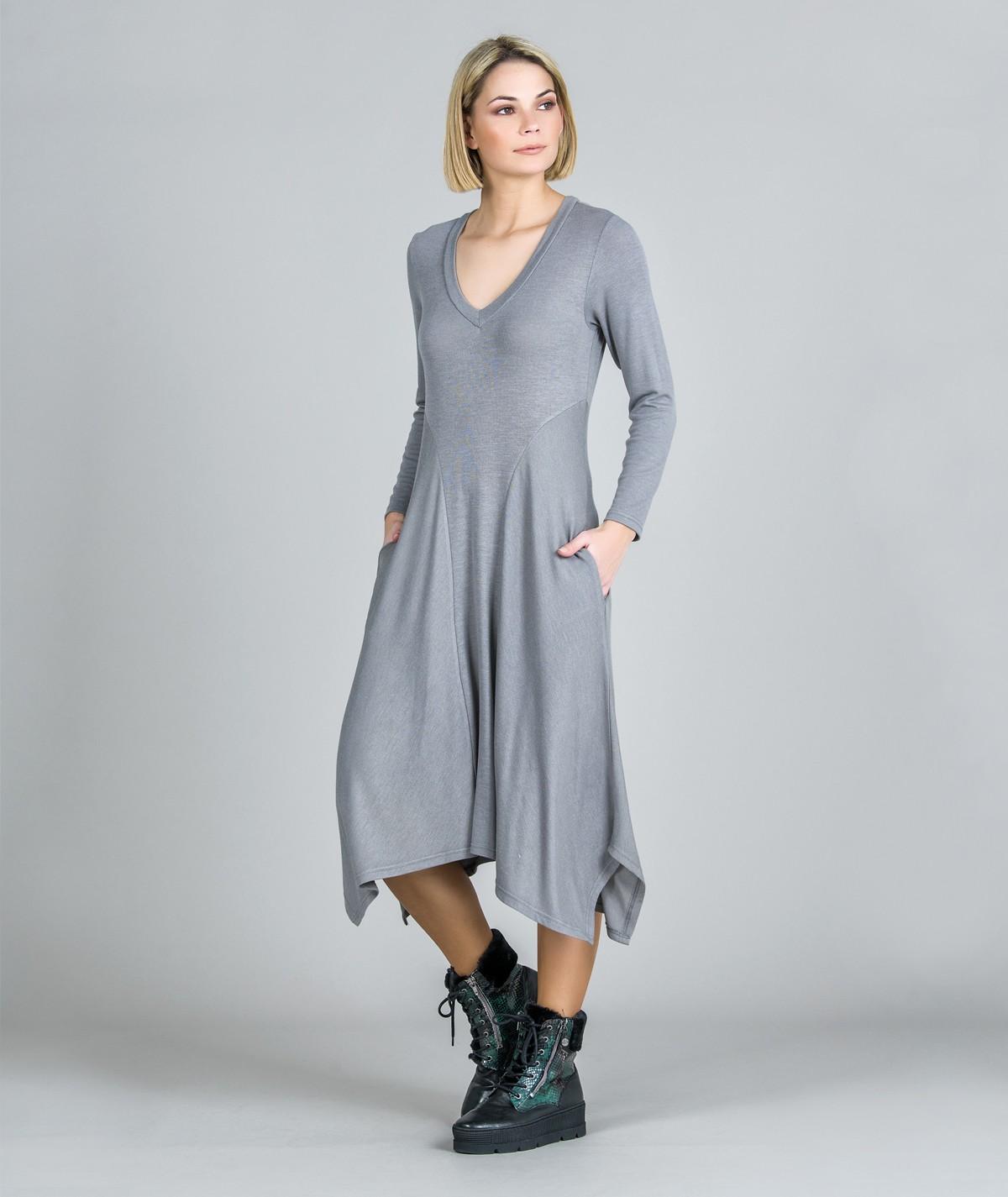 Vestido decote V com pontas