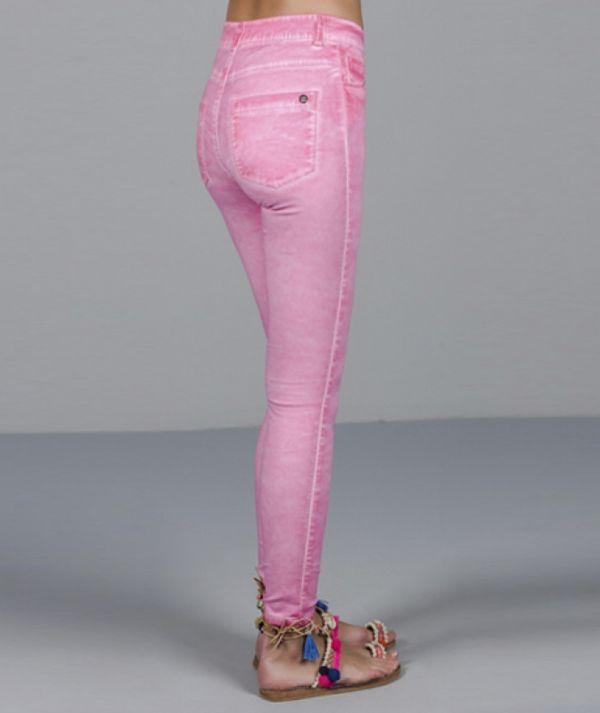 Calças skinny...