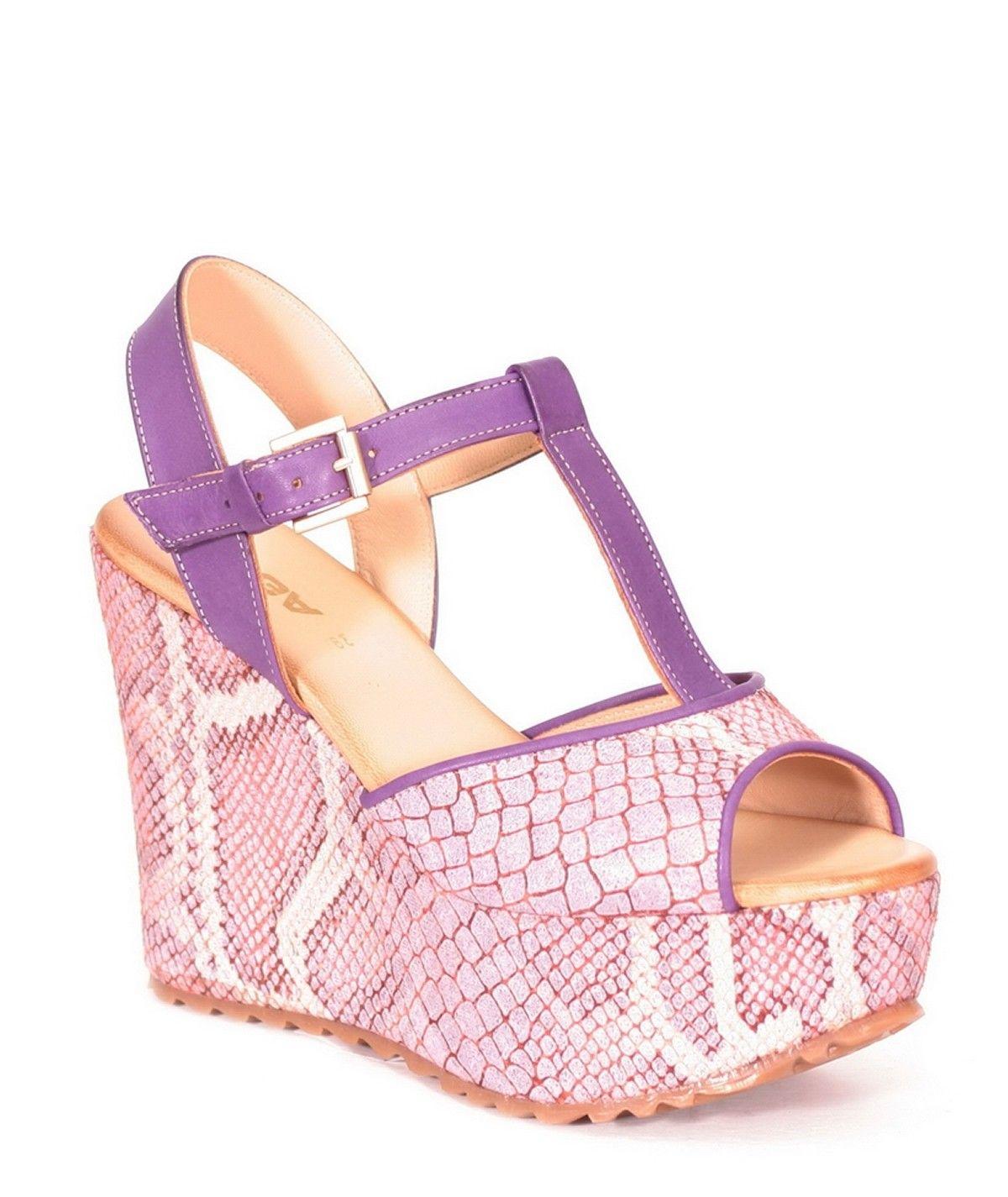 Sandálias com padrão animal