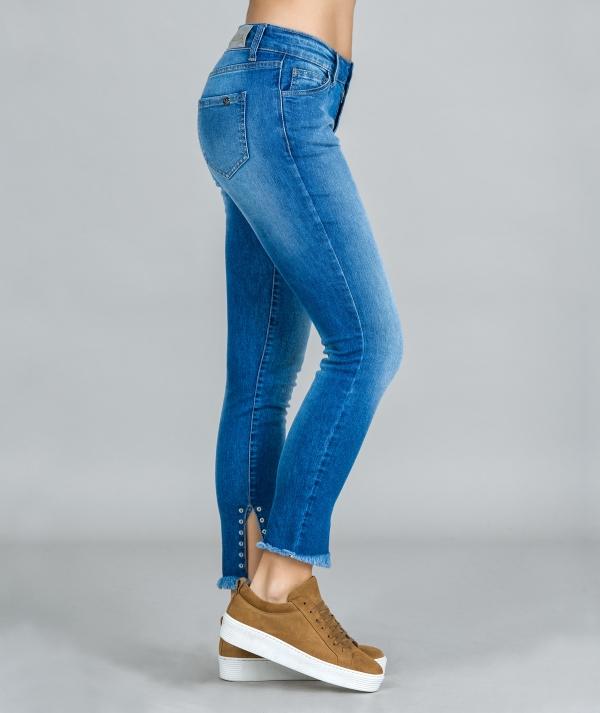 Eyelet jeans
