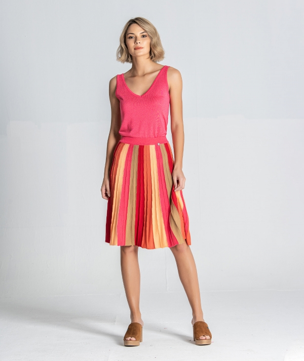 Colorful pleated...