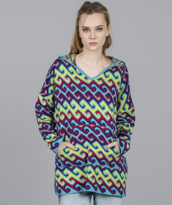 Sweater with wave...