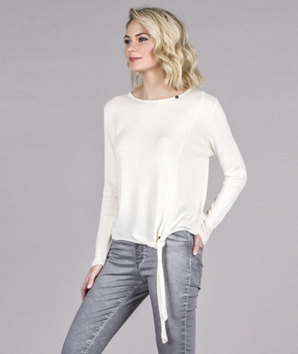 Sweater with node