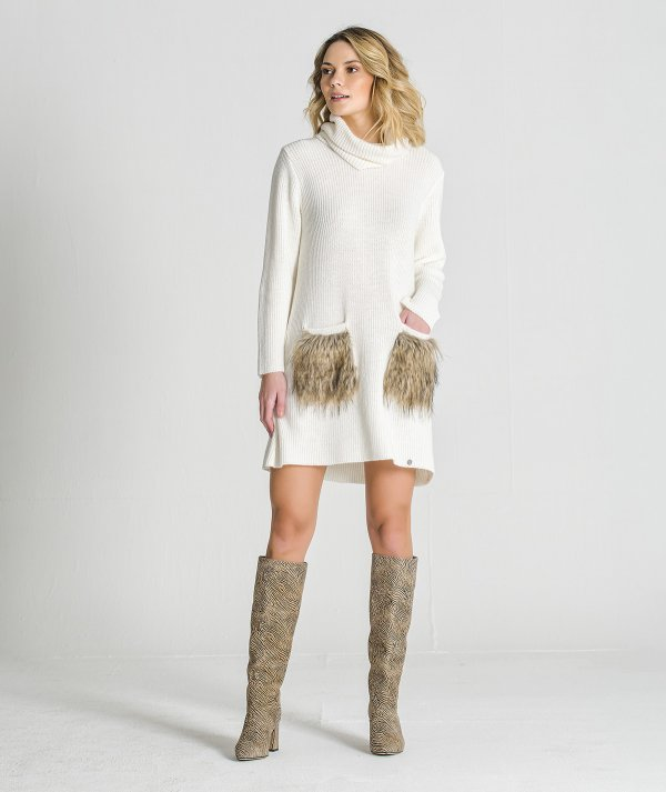 Tunic with fur...
