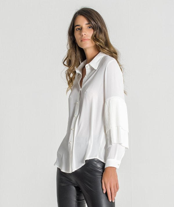 Pleated sleeve shirt