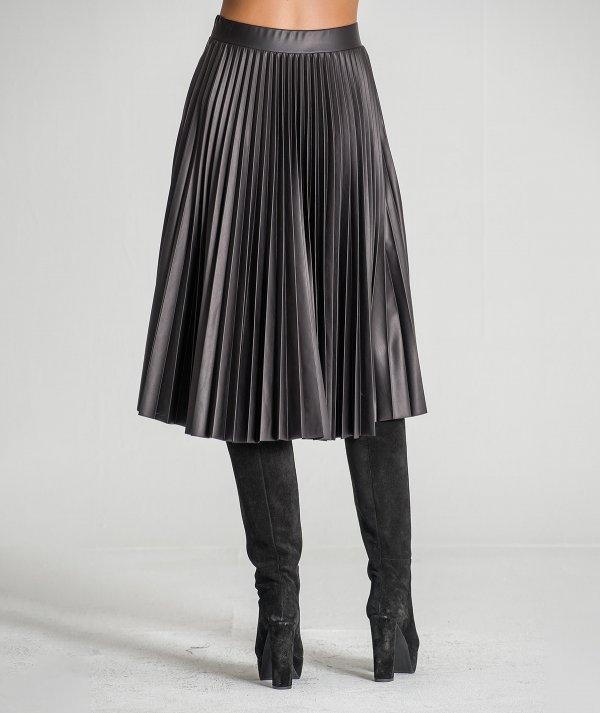 Pleated nappa skirt