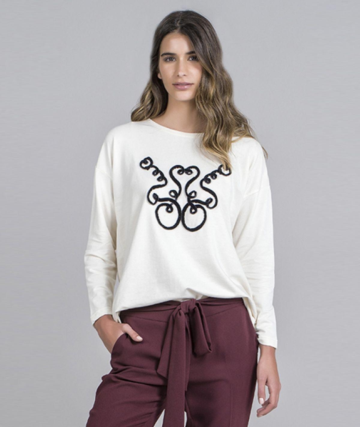 Sweater  bordado antique