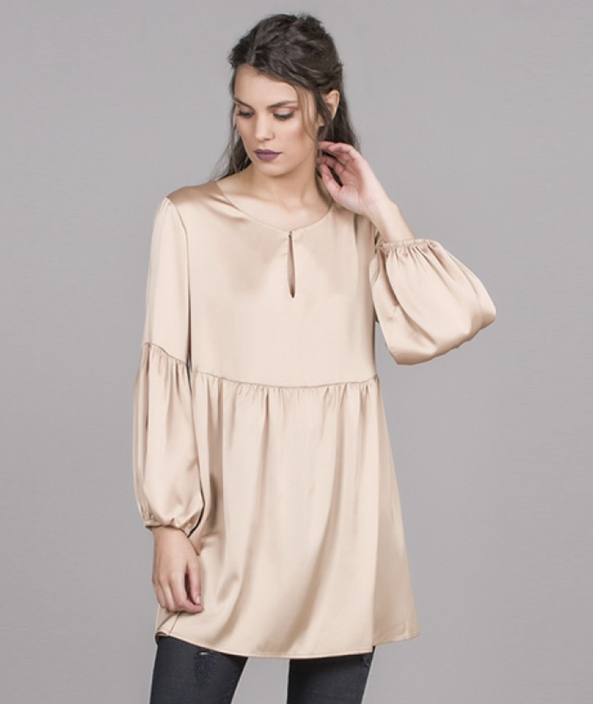 Puffy sleeves tunic