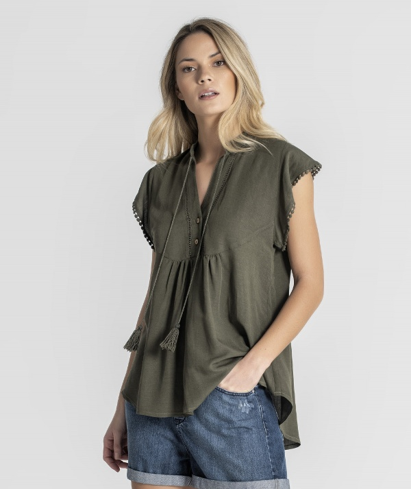 Blouse with detail