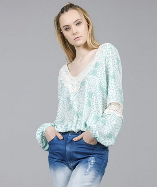 Blouse with lace...