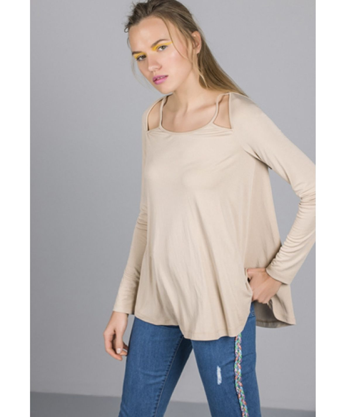 Blouse with cut-out neckline