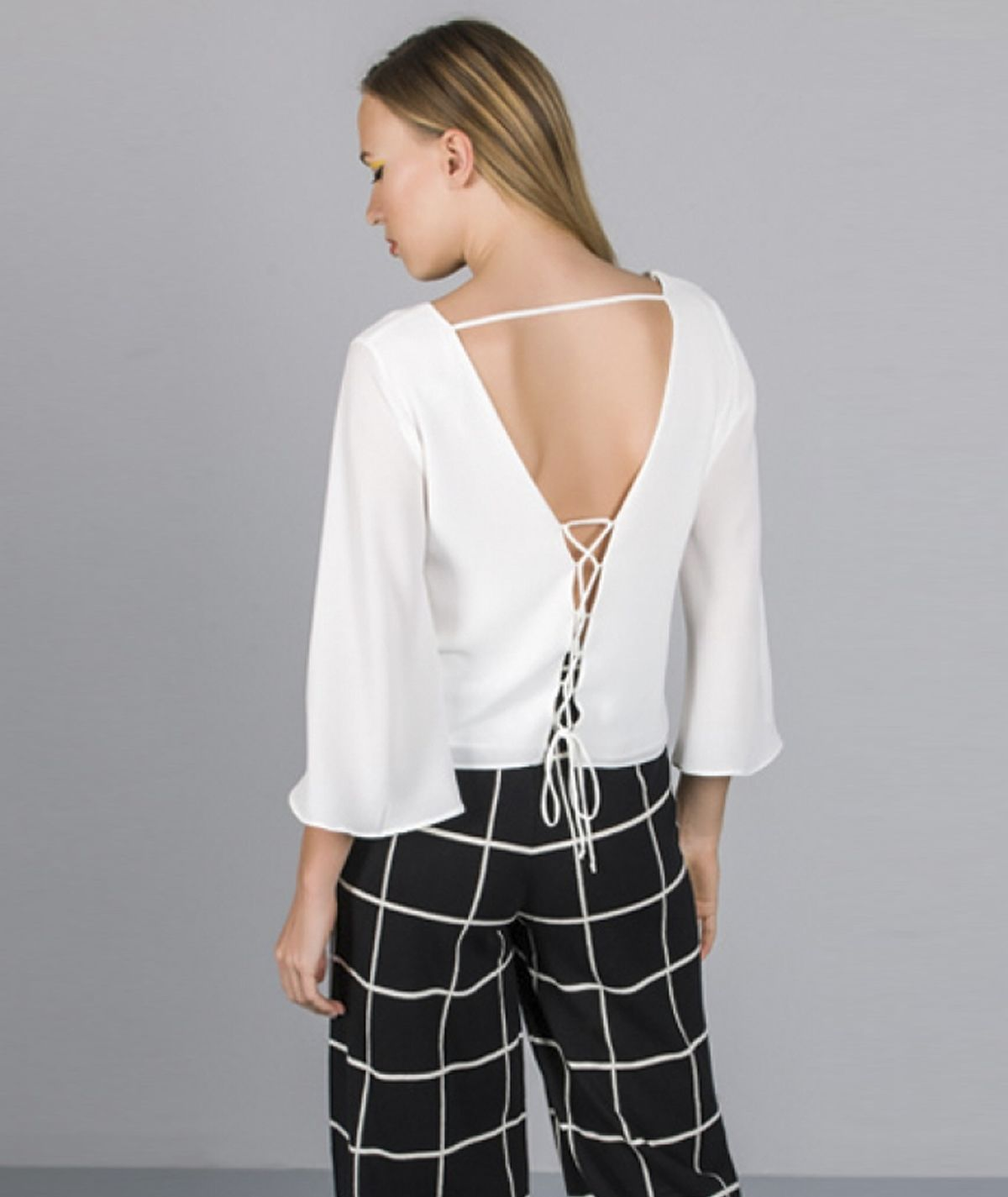 [CHIESSY] Blusa decote em V