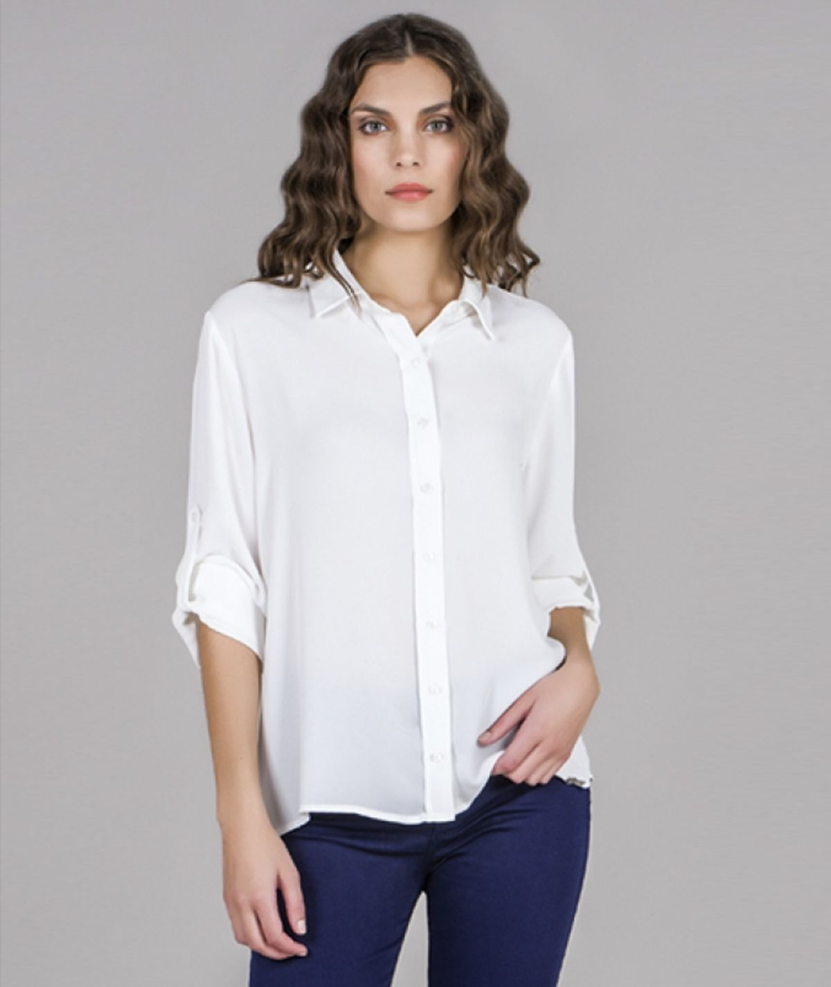 Loose-fitting blouse