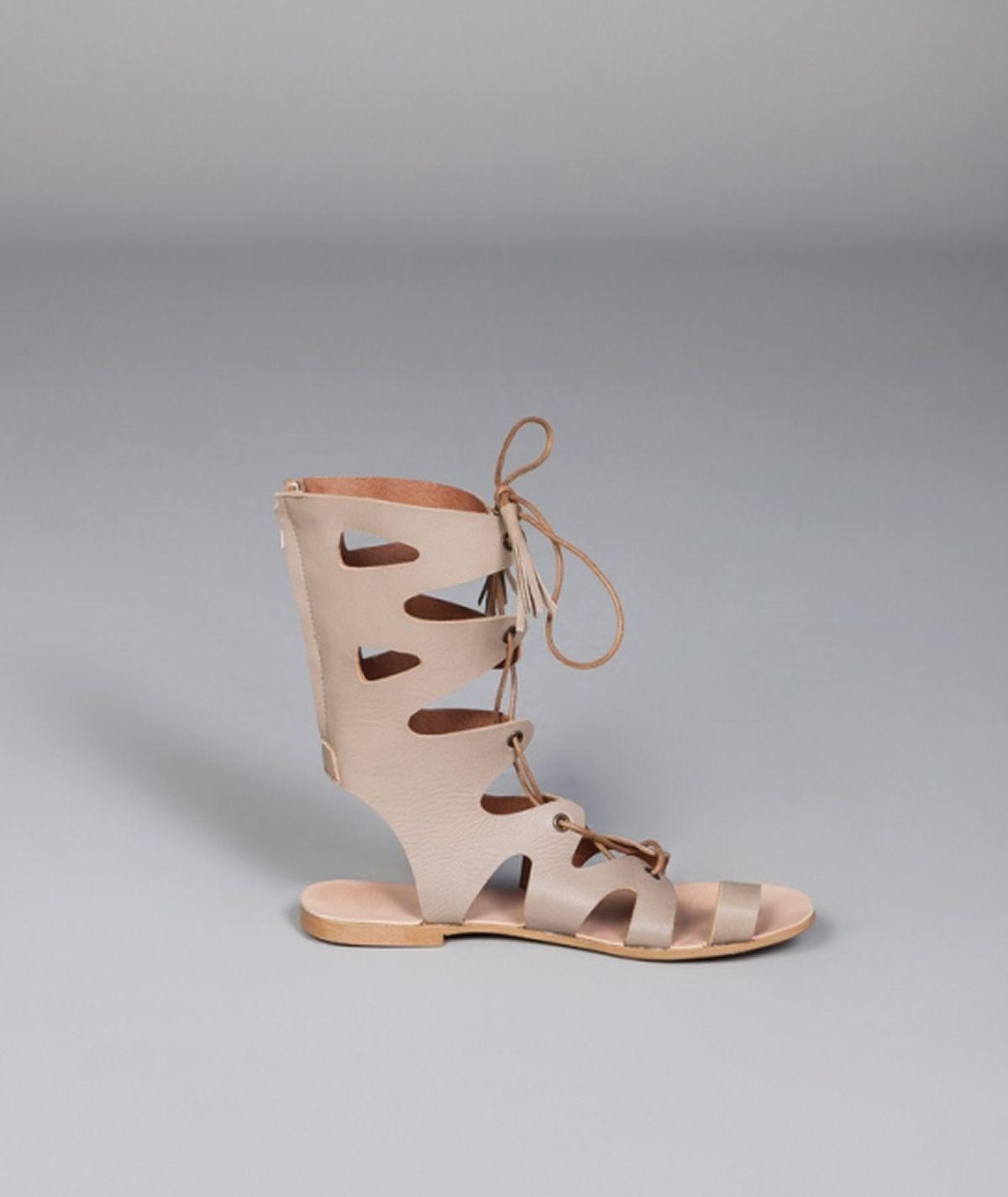 Sandálias gladiadoras curtas