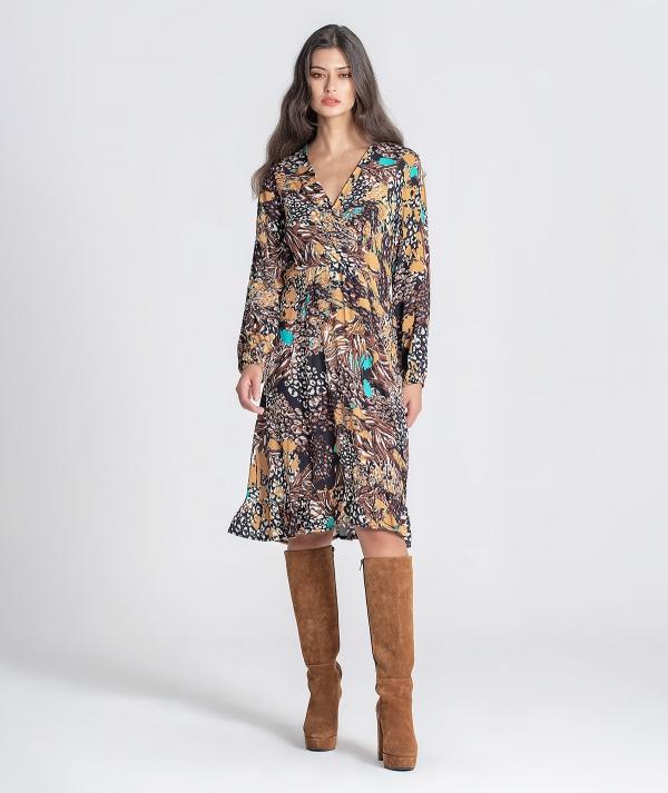 Crossed dress...