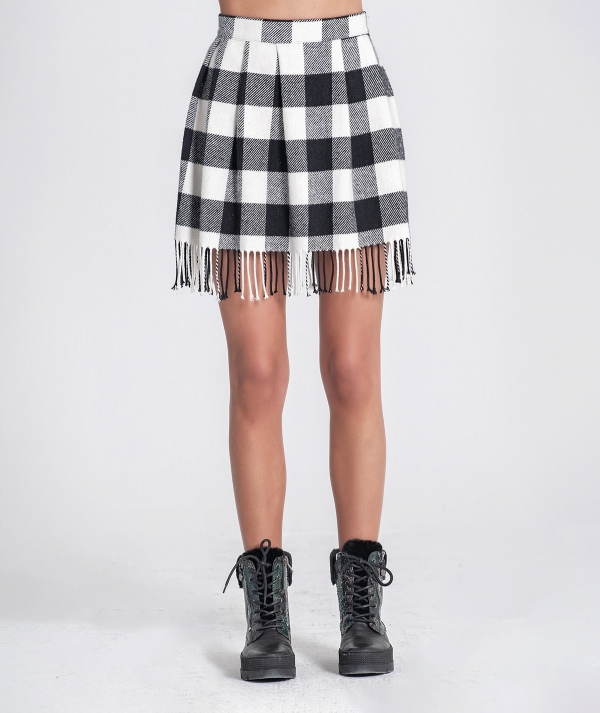 Plaid skirt with...