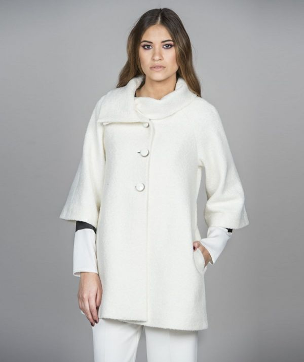 Coat with buttons...