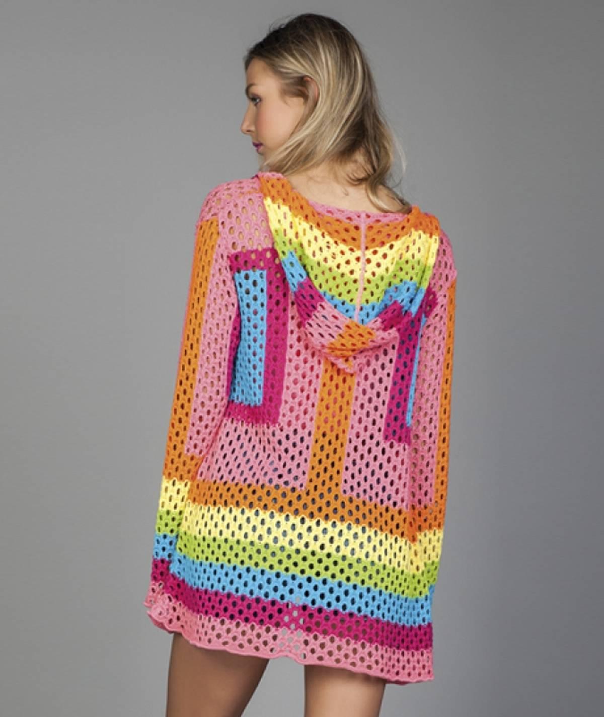 Casaco perfurado arco-iris